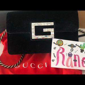 Gucci  Broadway Velvet Crossbody Bag black sm